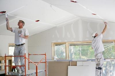 Với dịch vụ sửa chữa nhà, bạn có thể liên kết cùng các thợ sửa chữa lành nghề trong khu vực để tạo thành một nhóm kinh doanh.