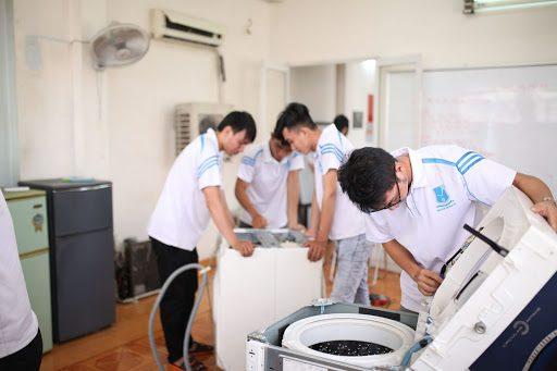 Nhu cầu sửa chữa thiết bị gia đình là không thể thiếu. Ngành kinh doanh này được dự đoán sé phát triển mạnh tại các khu vực nông thôn.