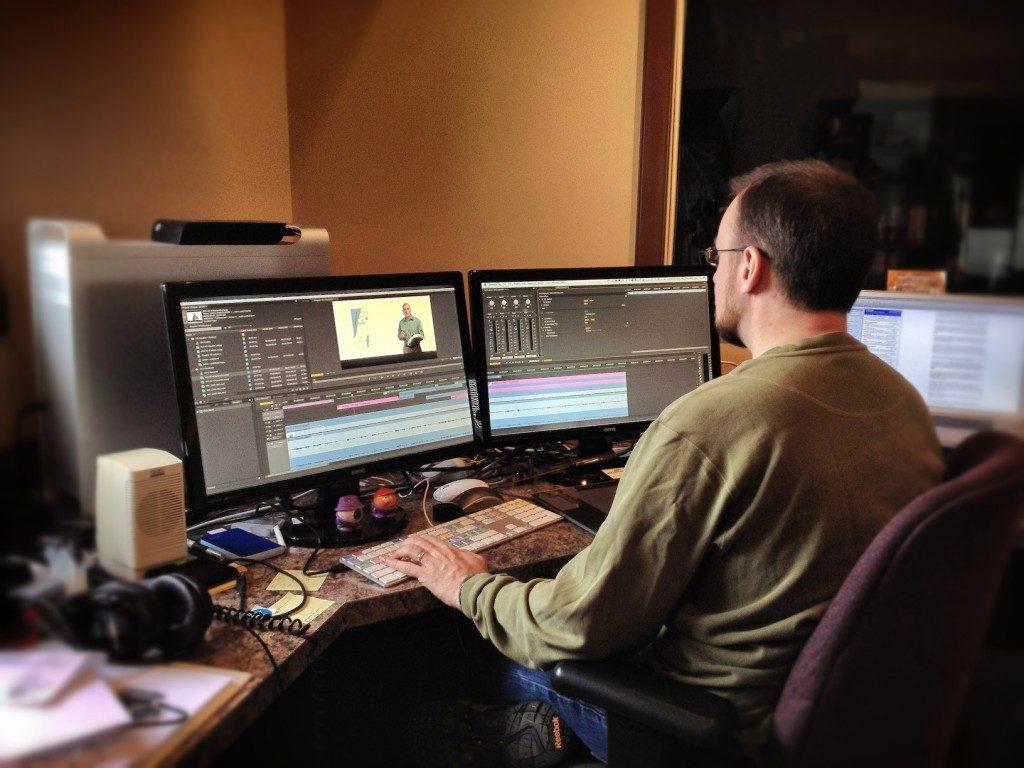 Kinh doanh dịch vụ quay dựng phim cùng ekip của bạn.