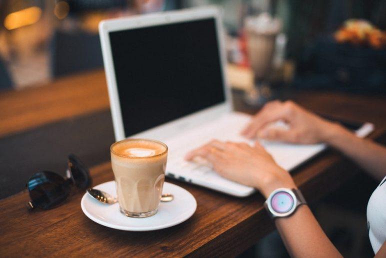 Kinh doanh các chuỗi cà phê workspace cũng là một ý kiến độc đáo cho câu hỏi đàn ông nên kinh doanh gì đấy nhé.