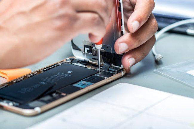 Kinh doanh sửa chữa điện thoại thông minh.