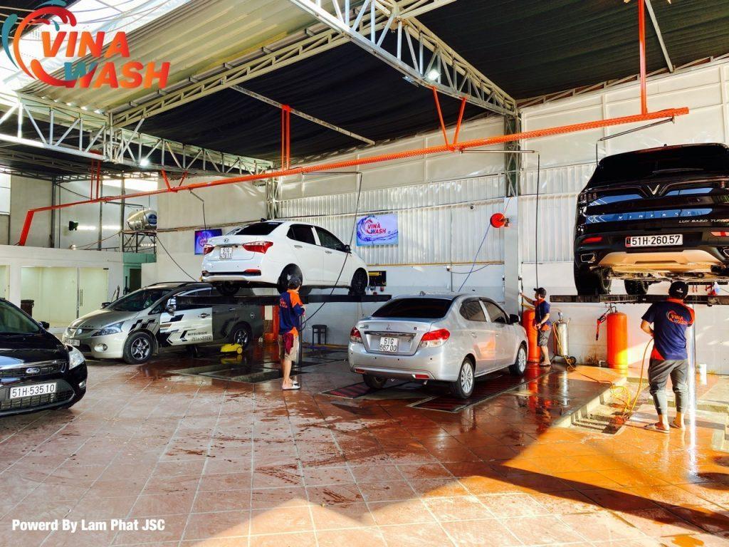 Kinh doanh dịch vụ rửa xe ô tô, xe máy có nhiều tiềm năng để phát triển trong năm 2021.
