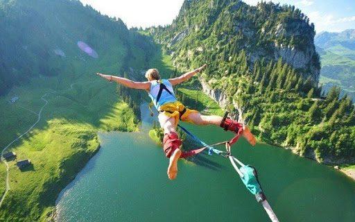 Kinh doanh nhảy bungee ngày càng trở nên phổ biến nhưng cũng là loại hình kinh doanh tốn khá nhiều chi phí cũng như thời gian cấp phép.