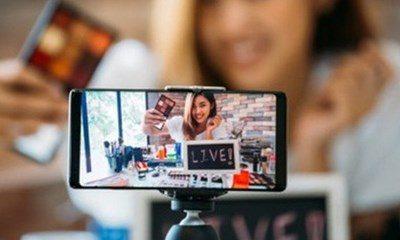 Livestream bán hàng được xem là công việc mang lại thu nhập ổn định khi các hoạt động kinh doanh trên mạng xã hội ngày càng diễn ra sôi nổi.