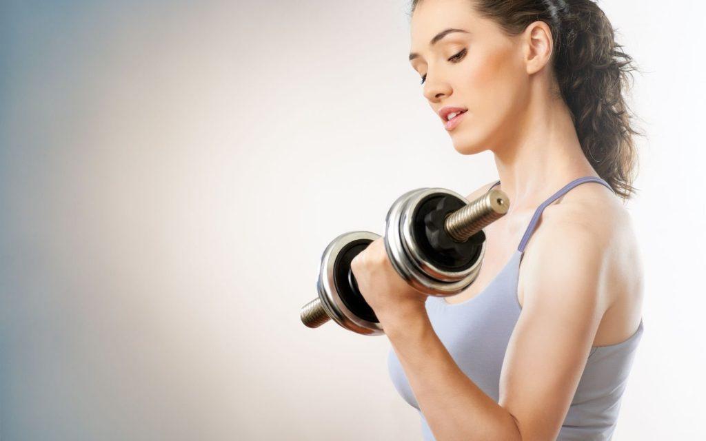 Trở thành huấn luyện viên cá nhân tại nhà hoặc tại các phòng tập gym cũng là một ý tưởng kinh doanh không tồi dành cho mẹ bỉm sữa.