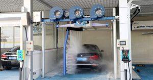 So sánh máy rửa xe tự động và máy rửa xe truyền thống
