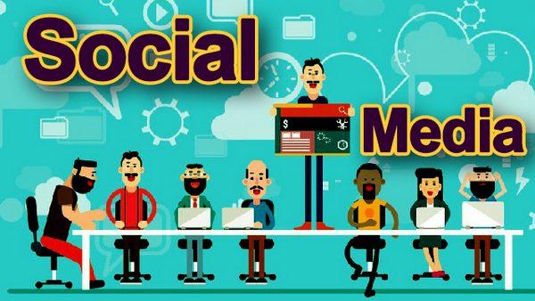 Trở thành chuyên gia về truyền thông xã hội cũng là một hình thức kinh doanh tại nhà.