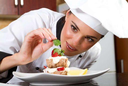 Mẹ bỉm sữa cũng có thể bắt đầu kế hoạch kinh doanh của mình với công việc đầu bếp.