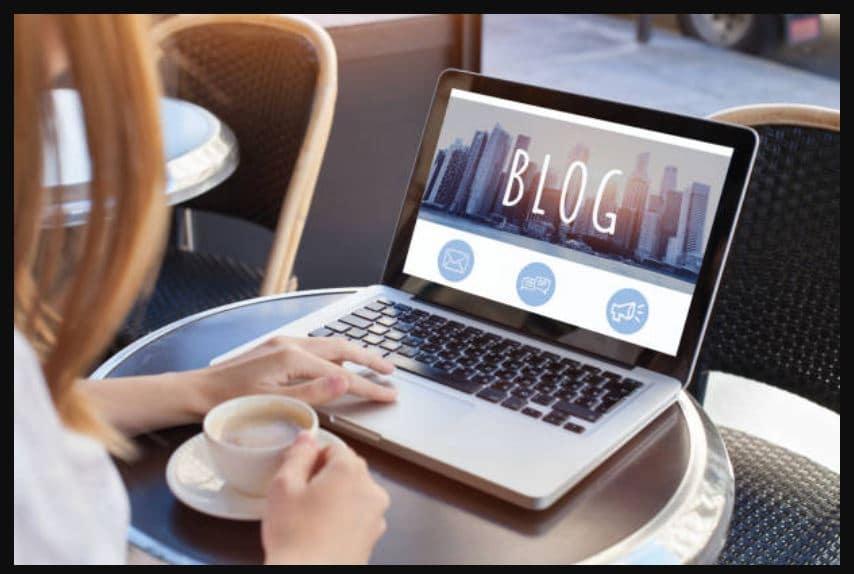 Viết blog là một công việc kinh doanh vốn ít mà nhiều bạn trẻ đang lựa chọn.