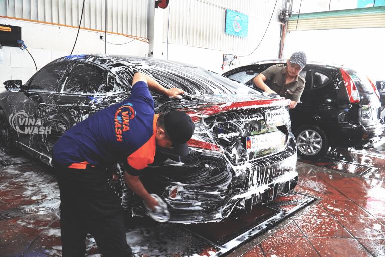 Nước rửa xe bọt tuyết được sử dụng tại nhiều trung tâm rửa, chăm sóc xe.