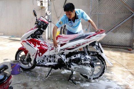 Chi phí thuê nhân công rửa xe