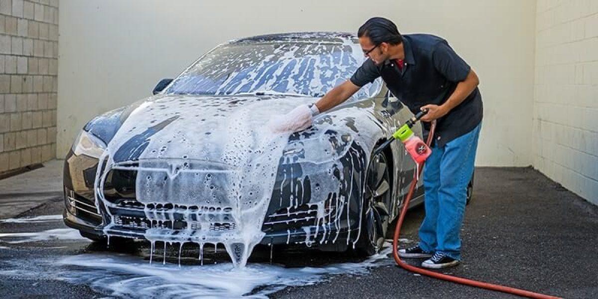 Bài toán kinh doanh tiệm rửa xe